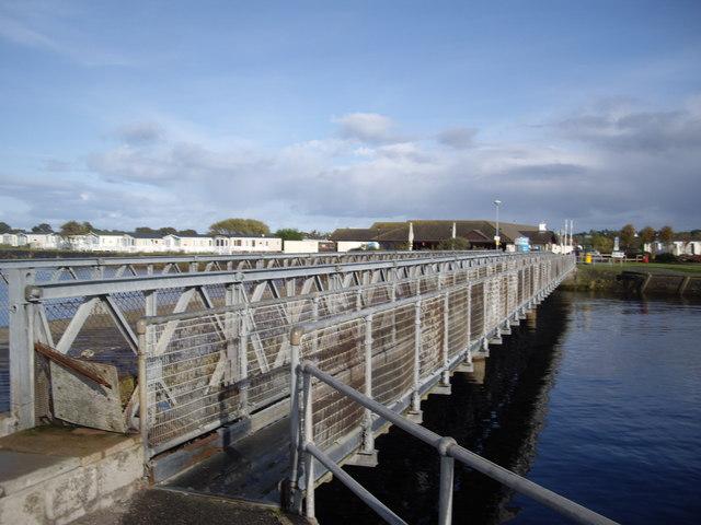Access to River Nairn bridge