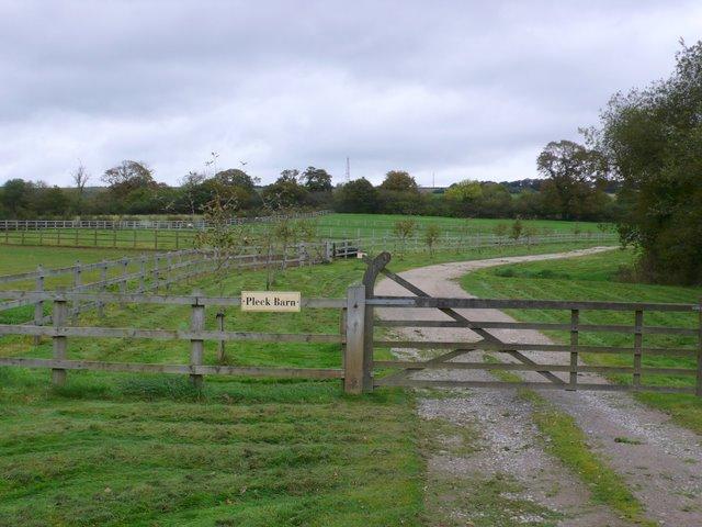 Drive to Pleck Barn