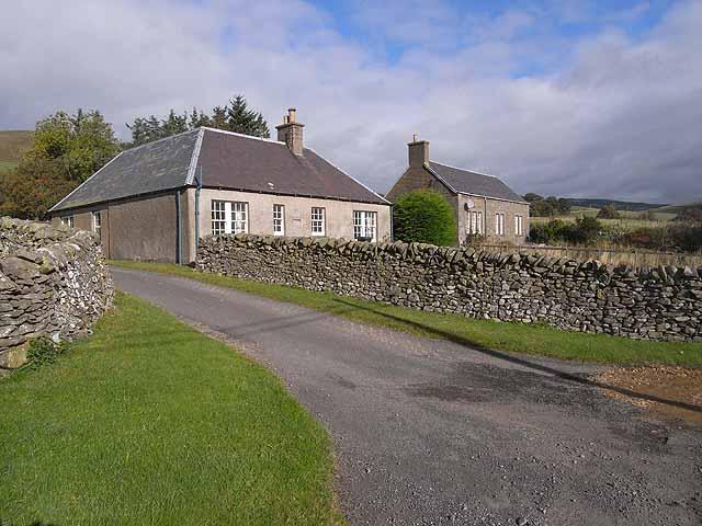 Cottages near Tinnis Farm