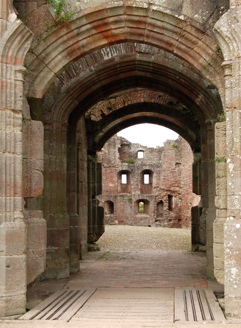 Archway into Pitched Stone Court, Raglan Castle