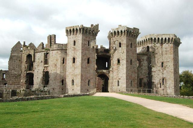 Gatehouse of Raglan Castle