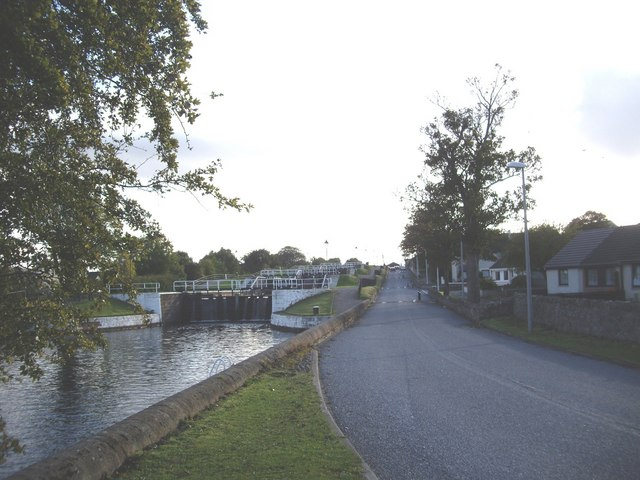 Canal Road, Muirton