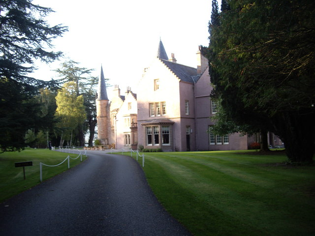 Approach to Bunchrew House