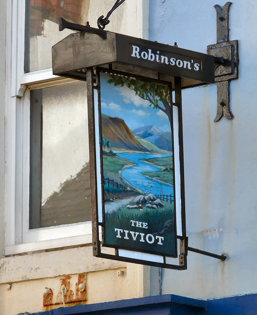 Sign for the Tiviot