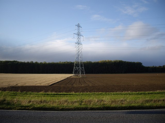 Electricity pylon by A862