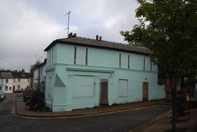 Derelict building at the corner of Albert St