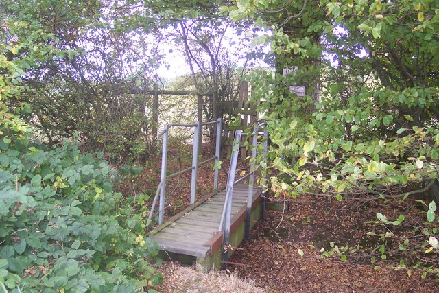 Footbridge before the London Beach Golf Course