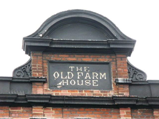 Sign on O'Reillys, Kentish Town Road / Holmes Road, NW5