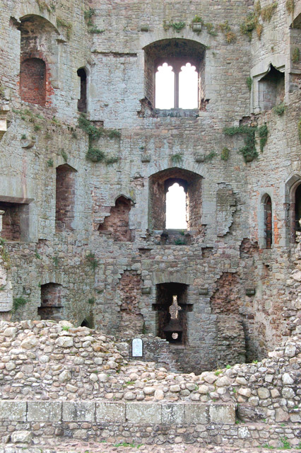 Looking into the hexagonal Great Tower, Raglan Castle