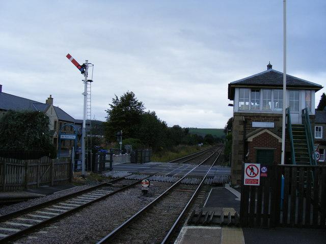 Haydon Bridge signal box and level crossing