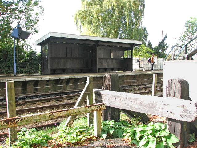 Brundall railway station - shelter on westbound platform