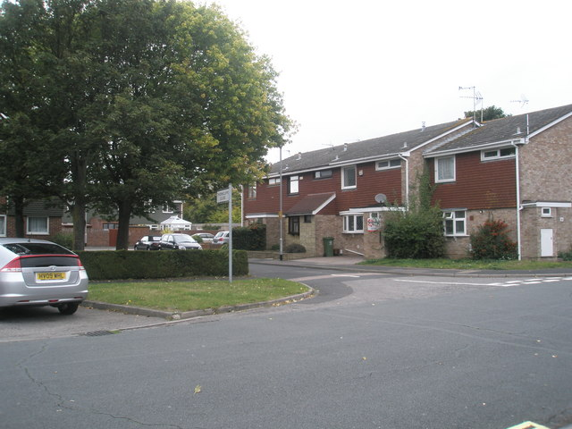 Junction of The Ridings and Thorncliffe Close