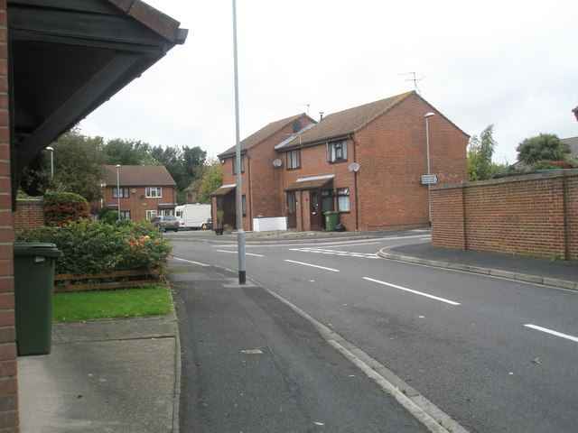 Approaching the junction of  Benham Drive  and Green Farm Gardens