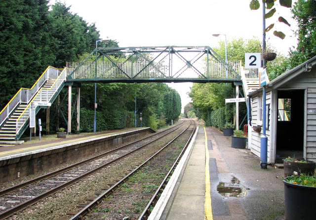 Brundall Gardens station - footbridge