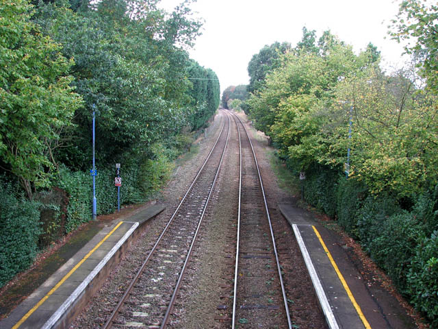 Brundall Gardens station - view west along the line