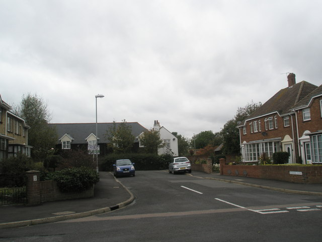 Looking from Green Farm Way into Mark Close