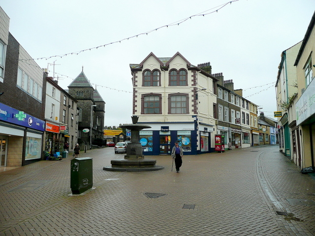 East end of Caernarfon's shopping area