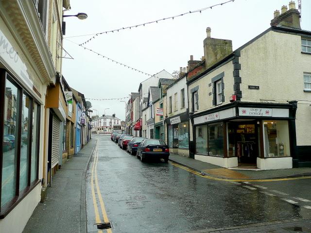 Stryd Y Llyn, Caernarfon