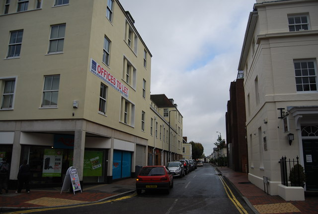 Calverley St