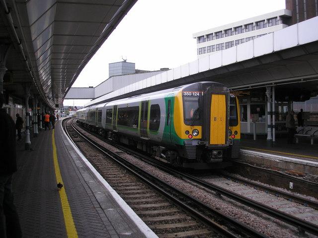 Class 350 train at East Croydon