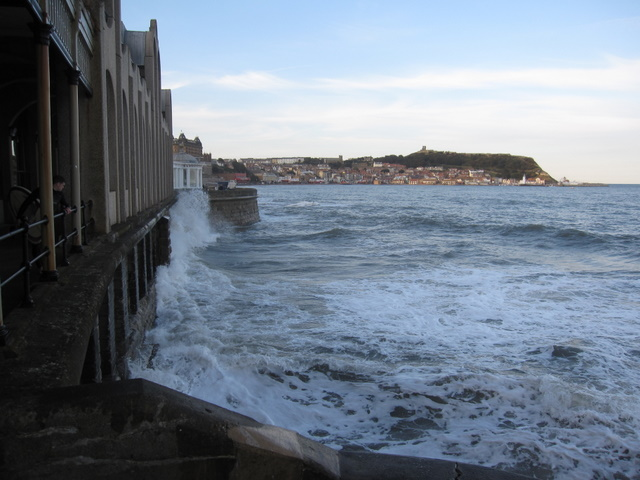 High tide in front of the Spa