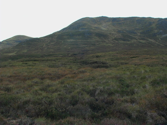 Coire Garbh Mhill Bhig north of  Meall Buidhe