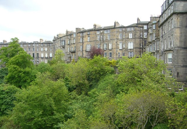 Randolph Crescent backs of houses, from the Dean Bridge