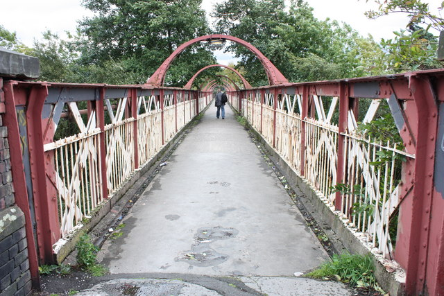 Railway Footbridge near Oldham Mumps
