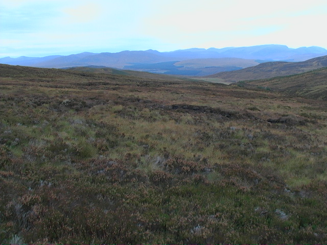 The boggy skirts of Garbh Meall looking north