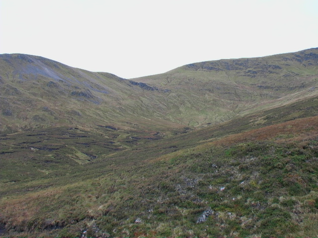 Glas Choire east of Meall Buidhe