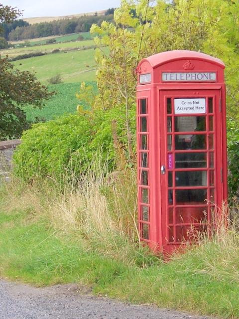 Telephone box, Bridge of Craigisla