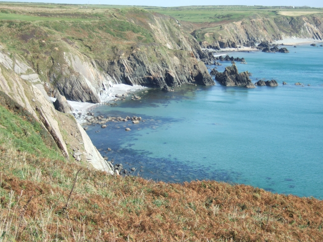 Raggle Rocks and the cliffs