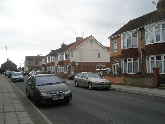 Approaching the junction of Devon Road and Lovett Road
