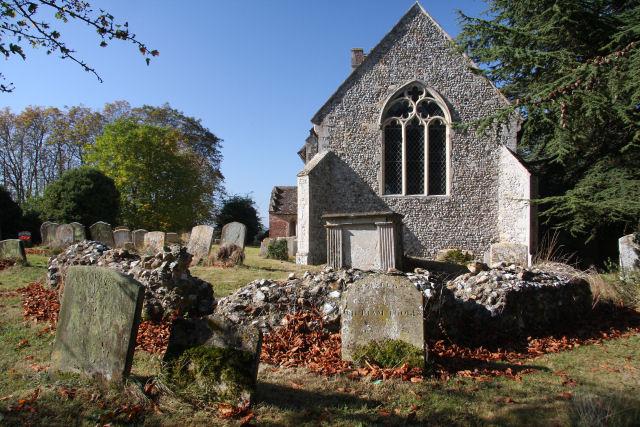 Churchyard at Little Whelnetham