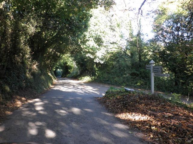Minor road junction, near Milton Hill