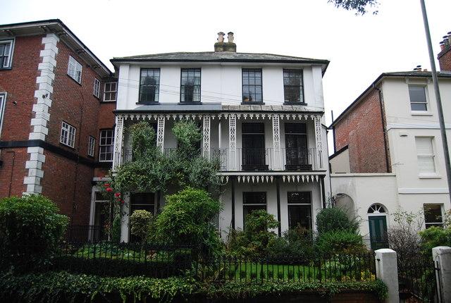 Town House, Grove Hill Rd