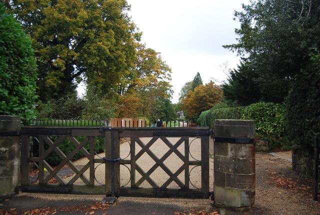 Gated Entrance, Calverley Park