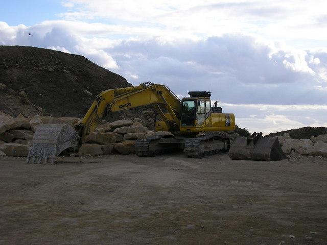Excavator at Hooby Lane Quarry, Stretton
