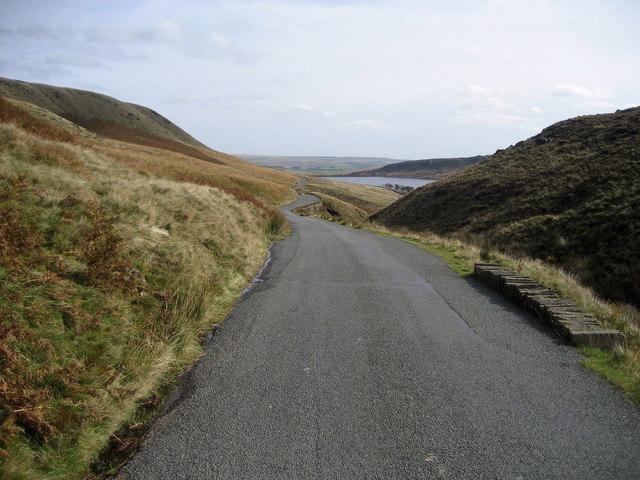 Road descending towards Widdop Reservoir