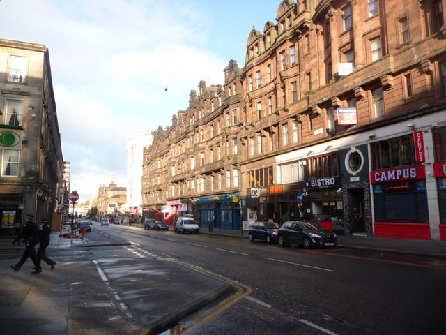 Glasgow: two police officers enter Holland Street from Sauchiehall Street