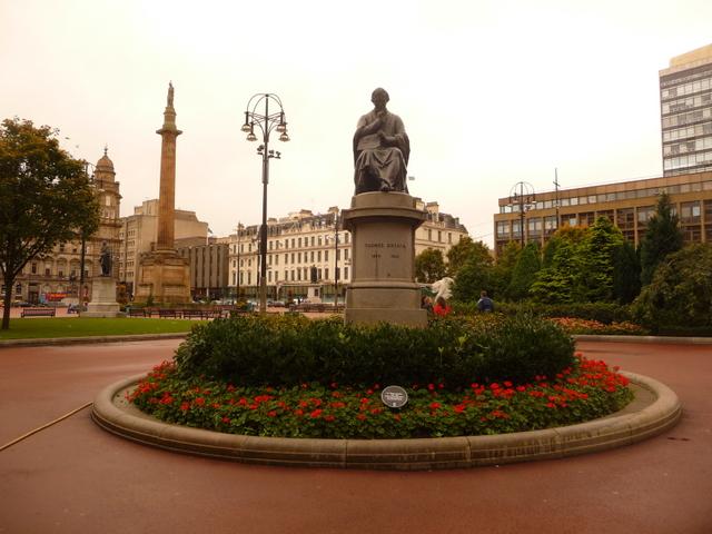Glasgow: Thomas Graham statue, George Square