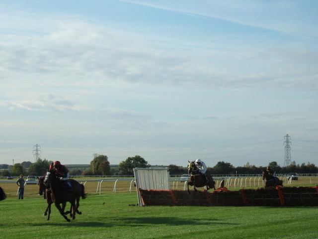 Horse racing at Huntingdon