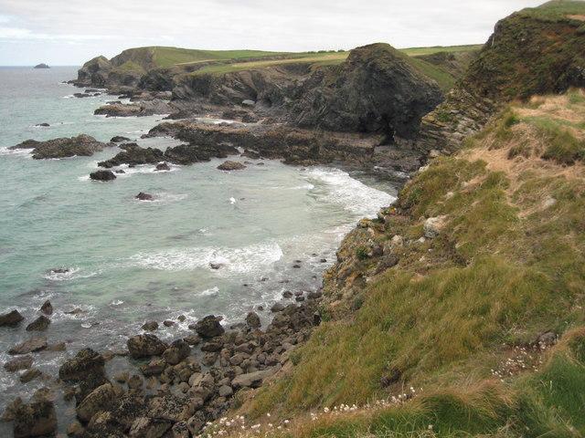 Coast towards Gunver Head