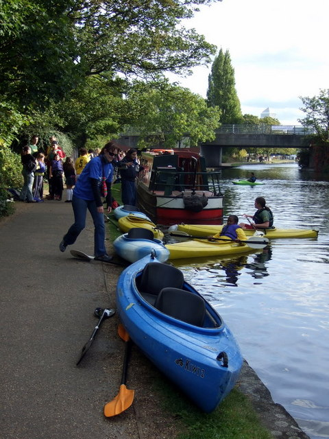 Having a go at canoeing