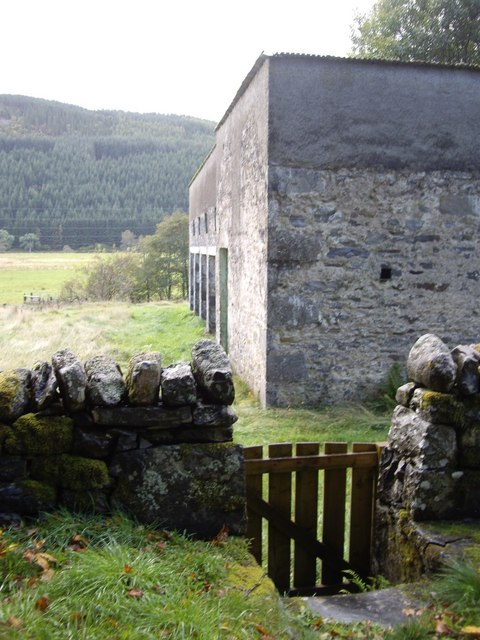 Access to Balmore steading