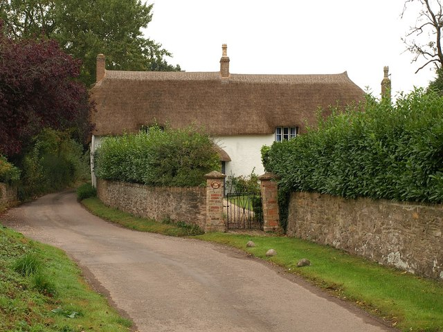 Thatched house, Langaller