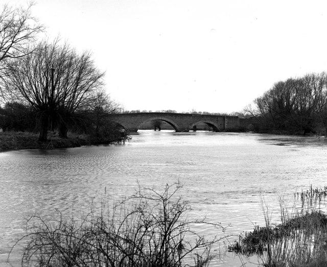 River Thames, Sutton Bridge