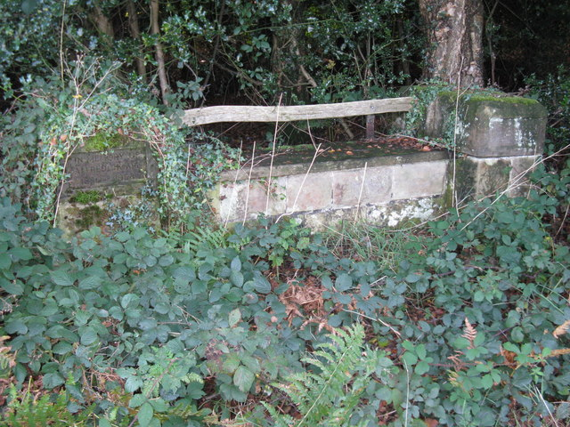 Memorial seat to Alfred Hoare