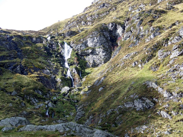 Waterfall, Corrie Fee