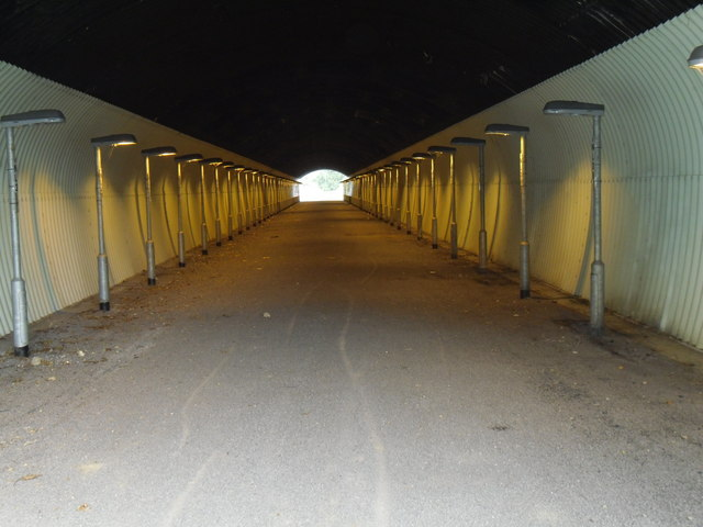 Tunnel beneath the M1